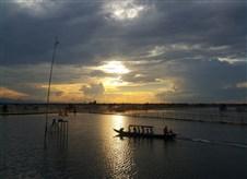 Exploring Tam Giang lagoon
