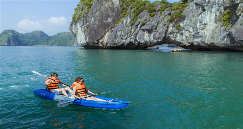 honeymoon in halong bay
