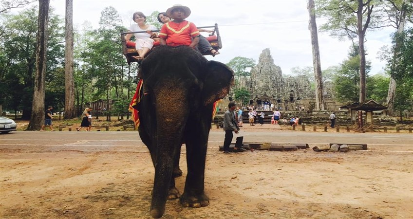 elephant ride in bayon temple