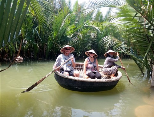 Things to know when booking a private tour to Vietnam