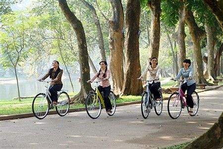 Unforgetable day cycling in Hanoi city