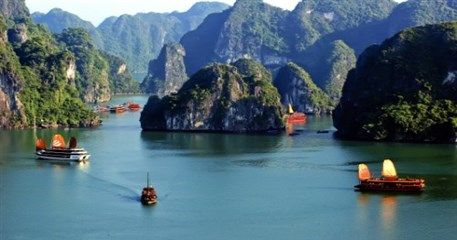 HN09: Halong Bay - Lan Ha Bay - Cat Ba Island - 2 days / 1 night
