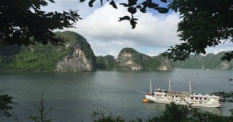 M10: Hanoi - Halong Bay Cruise Muslim Tour - 5 days / 4 nights