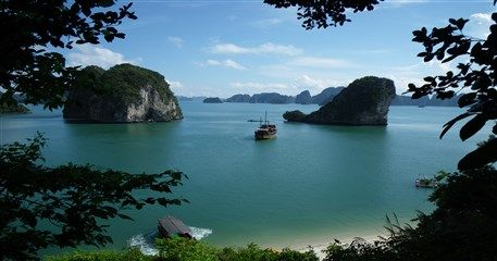 HN05: Highlights of Hanoi - Halong Cruise - 4 days / 3 nights