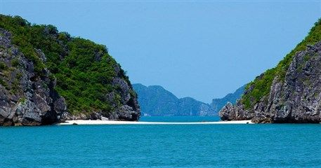 HN10: Halong Bay - Lan Ha Bay - Cat Ba Island - 3 days / 2 nights