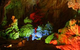 Tien Son Grotto