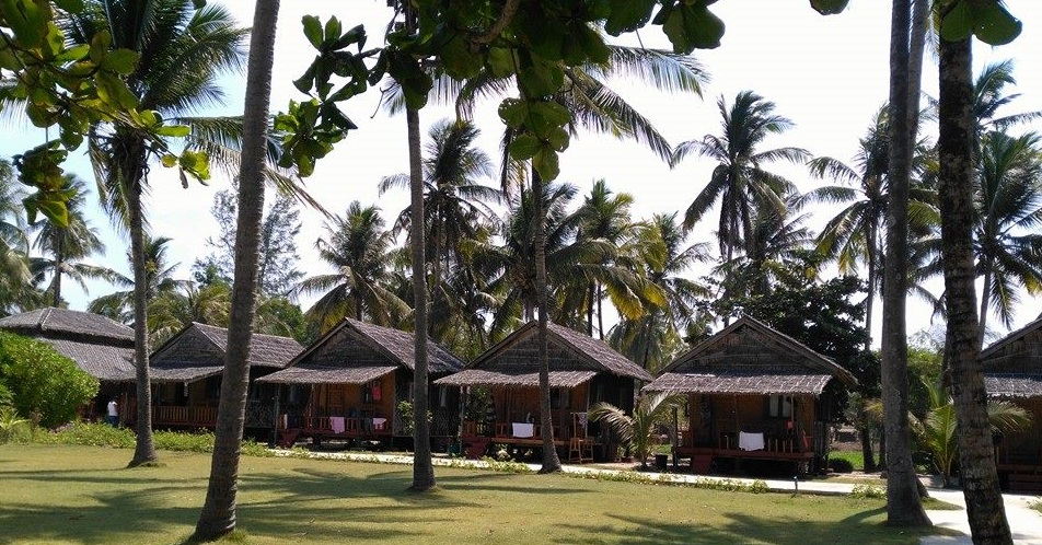 travel ngwe saung beach