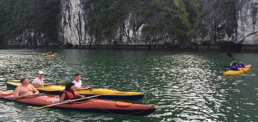 Quang Ninh: Out of kayaking in Halong Bay