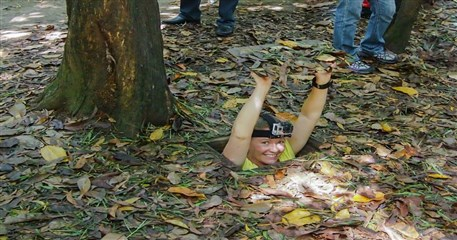 HO02: Tay Ninh - Cu Chi Tunnels Tour - Full Day