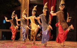 Watch Tradition Dance