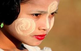Thanakha Grinding Festival